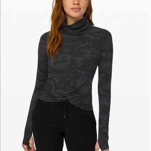 Lululemon pullover black camo new with tags